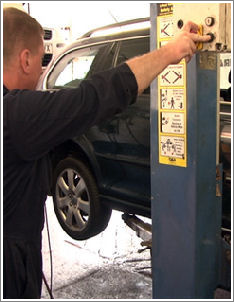 Acorn Vehicle Repairs - for Vehicle MOT, Servicing and Repairs in teesside